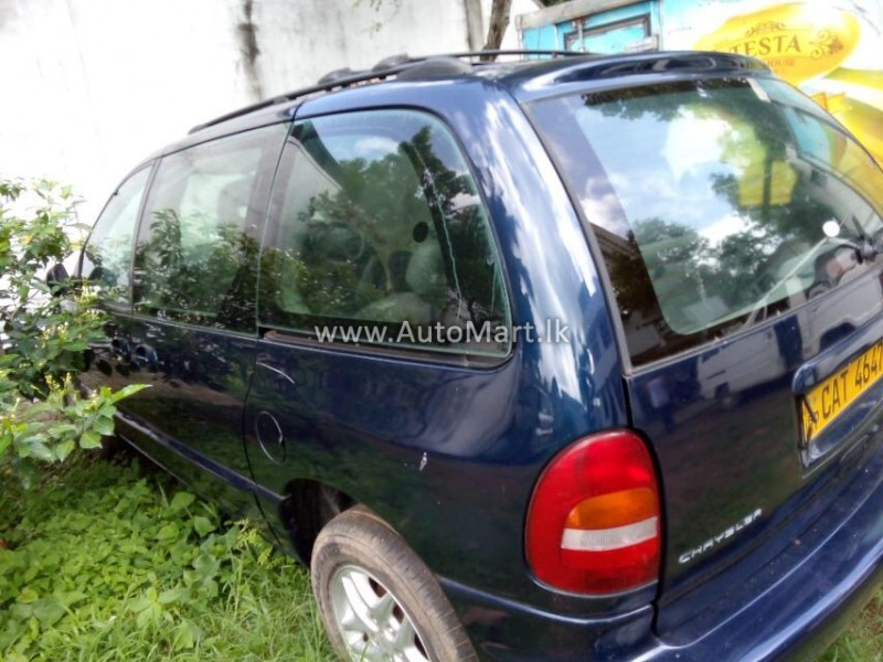 Image of Chrysler Chrysler Voyager LE 2000 Car - For Sale