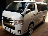 Toyota TRH 200 SUPER GL 2014 Van