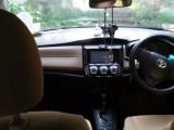 Toyota AXIO Non-Hybrid 2013 Car