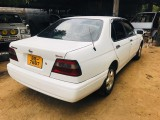 Nissan BLUEBIRD 1999 Car