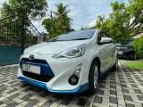 Toyota Aqua G grade 2016 2016 Car