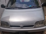 Nissan Serina 1994 Van