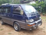 Mitsubishi Po5 1999 Van
