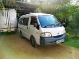 Nissan Vannete 2000 Van
