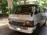 Toyota Toyota Dolphin 172 2000 Van