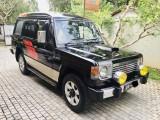 Mitsubishi Pajero 1987 Jeep