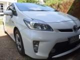 Toyota prius S 2013 Car