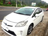 Toyota Prius 3rd Gen S Touring 2012 Car